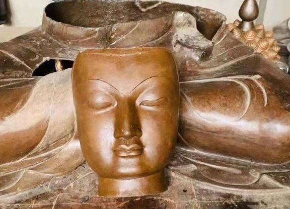 Funfraising for the main temple statue : News